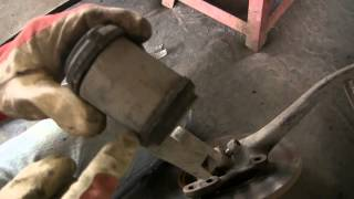 Мерседес w123 меняем сайлентблок нижнего переднего рычага