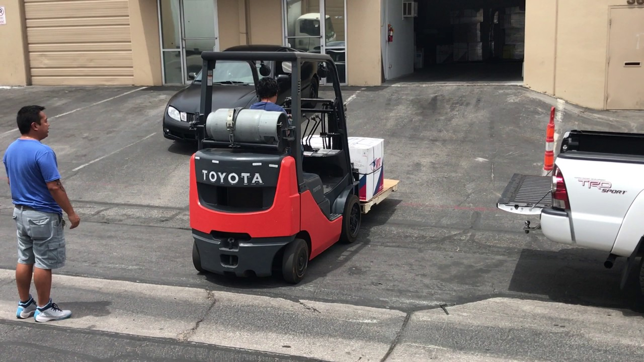 Forklift Training At A Xyz Global Express In Las Vegas Youtube
