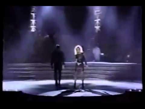 Bonnie Tyler   Eclipse total del corazón Live Official Video HD   YouTube