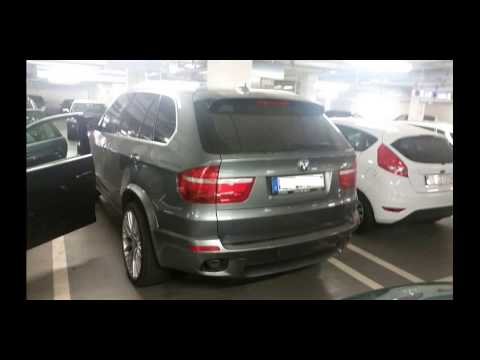 bmw x5 e70 mit 22 zoll alufelgen in silber tuning youtube. Black Bedroom Furniture Sets. Home Design Ideas