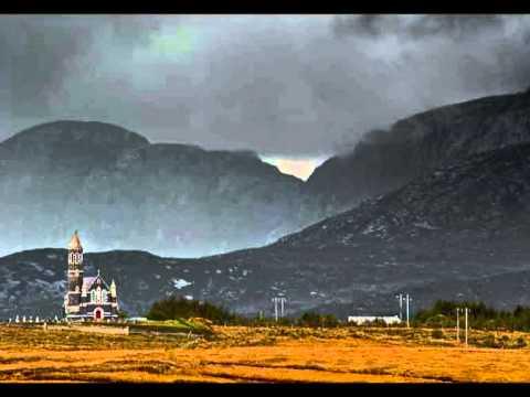 Gabhaim Molta Bríghde - Haunting Gaelic song by Aoife Ní Fhearraigh