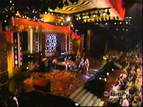 Aaron Carter & Nick Carter - Not Too Young Not Too Old (Live@Teen Choice Awards)