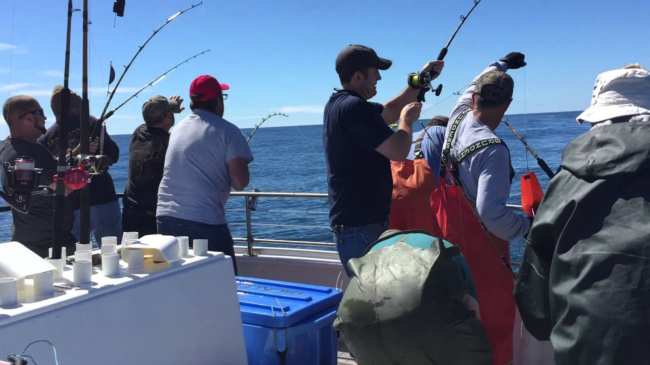 Epic 10 way tuna hookup aboard the tacklebuster dockside for Depoe bay fishing charters