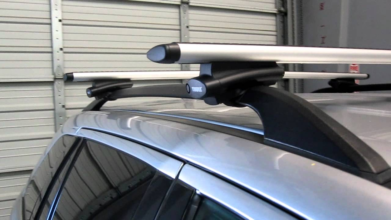 Lincoln MKX with Thule 450R Crossroad AeroBlade Base Roof ...