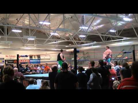 2CW FAN CAM ROYAL RUMBLIS - ROME NY - 9/12/14