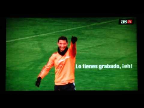 Cristiano Ronaldo  -  Así bailaron a Pepe en el rondo del entrenamiento