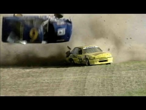 Авто мото аварии - Видео онлайн