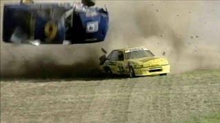 Авто мото аварии(Авто мото авирии и неудачи случившиеся на гонках. Как порой обидно, когда по воле случая происходят аварии...., 2014-02-07T14:36:28.000Z)