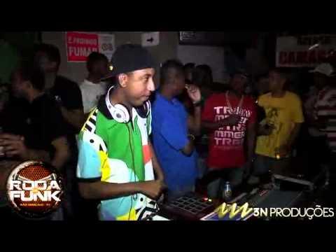 DJ Cabide  O numero 1 do sampler ao vivo na Roda de Funk