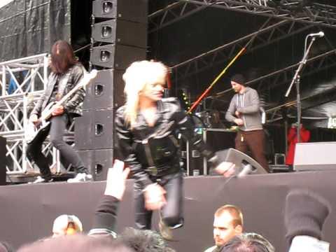 Duff McKagan's Loaded feat. Michael Monroe – Attitude & New Rose