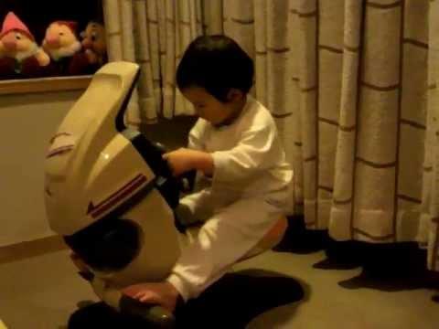 画像: 往年のバイクシミュレーター...子供の頃欲しかった。 www.youtube.com