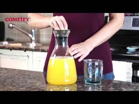 glass-carafe-with-drip-free-lid-by-comfify