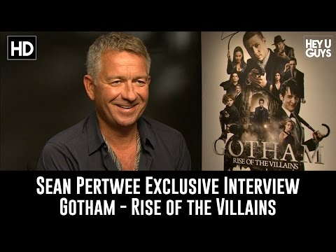 Sean Pertwee Exclusive Interview - Gotham Season 2