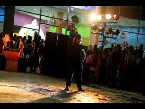Nghệ sĩ nhí nhảy Micheal Jackson điệu nghệ