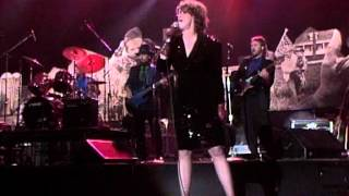 K.T. Oslin - Younger Men (Live at Farm Aid 1990)