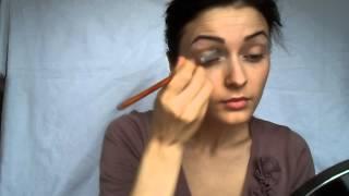 Великолепный пошаговый макияж для зеленых глаз, фото и видео примеры