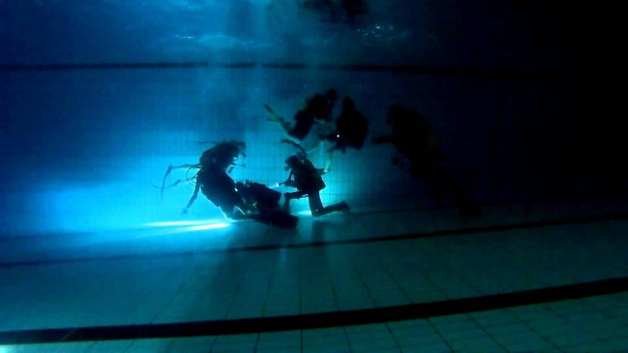 Seclin plong e soir e de noel nocturne en piscine for Club piscine repentigny noel