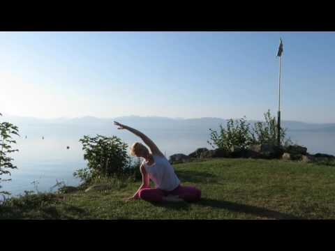 Toes in the Grass Yoga - Sunrise Spinal warm-up (8 mins)