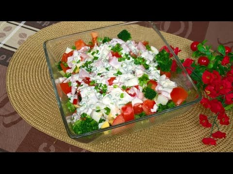 Salatka Z Brokulem Jajkiem I Pomidorami Smaczna I Syta Youtube