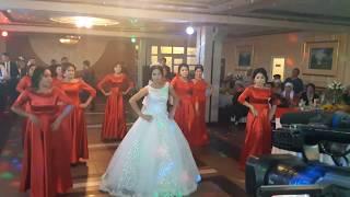 Невестка с подружками сделали флешмоб сюрприз для жениха на свадьбе