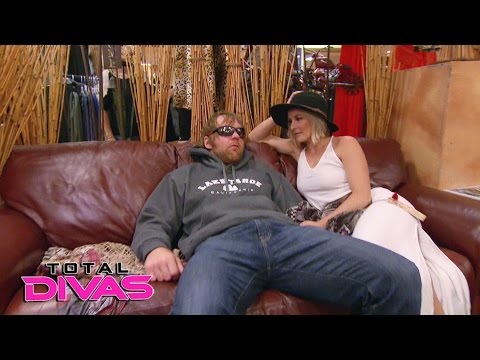 Thumbnail: Renee Young and Dean Ambrose go suit shopping: Total Divas, April 12, 2017