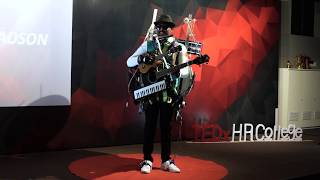 Download lagu India's One Man Band: A Masterclass on Instruments | Gladson Peter | TEDxHRCollege