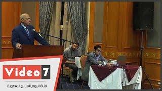 وزير التنمية المحلية يستمع إلى المخطط الاستراتيجى لمحافظة أسوان