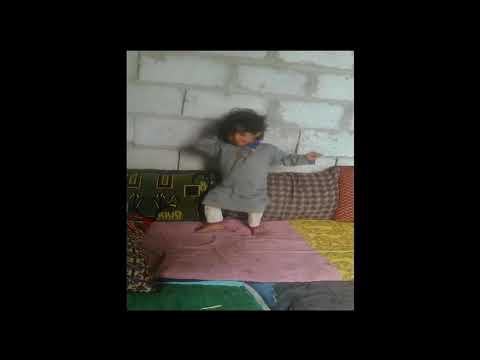 اصغر طفل يمني يرقص برع thumbnail