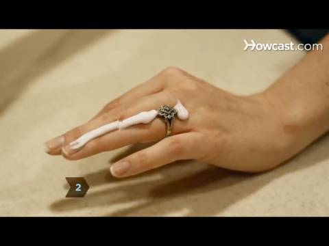 How to Remove a Ring Thats Stuck on a Finger YouTube