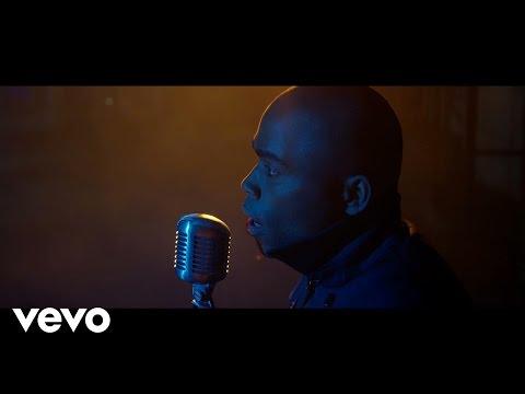 клип песни adele hello. Песня Adele (Sean Bradford Cover) - Hello скачать mp3 и слушать онлайн