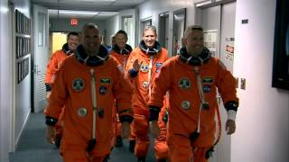 STS-132: Astronauts Ready for Launch