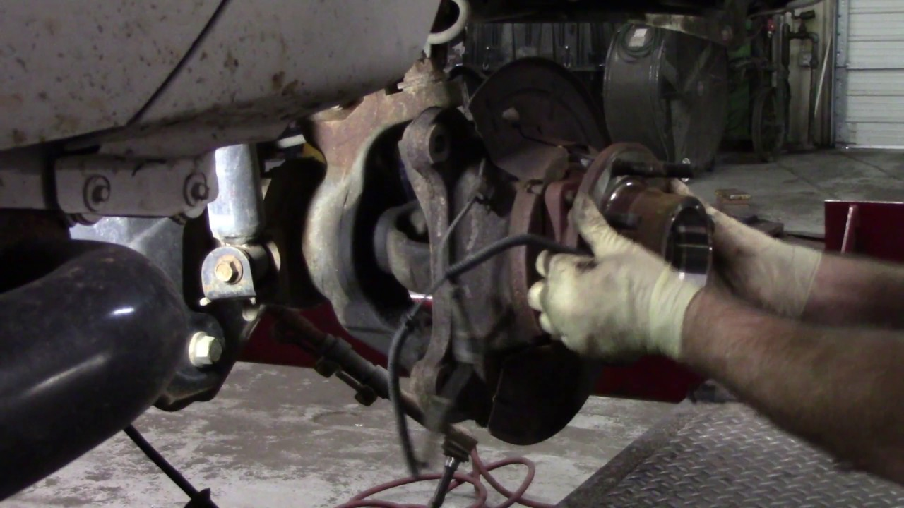 small resolution of f 350 super duty front axle seal leak tear down only