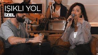 Zeynep Bastık ft. Berkay – Işıklı Yol Akustik (İzel Cover) mp3 indir