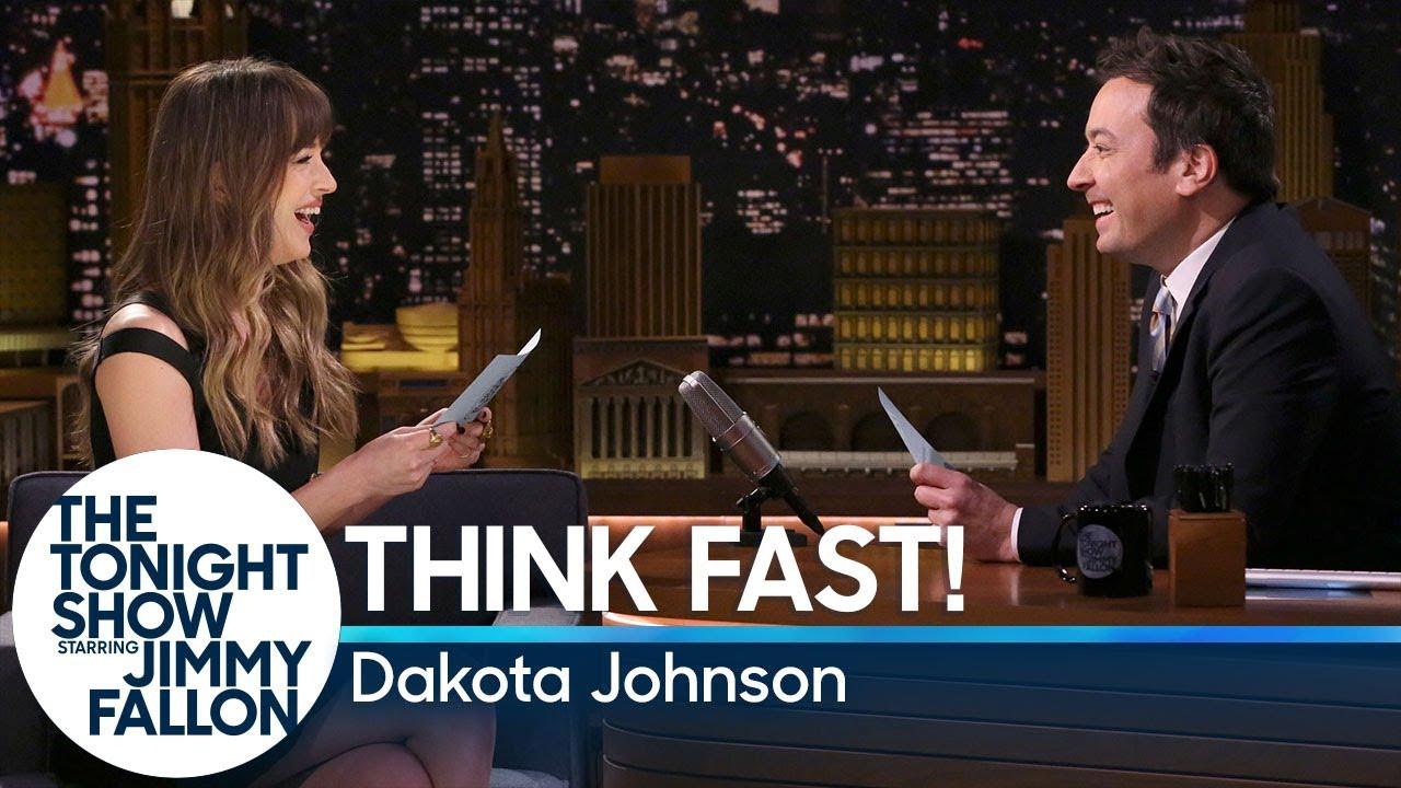 Како се снајде Дакота Џонсон со игрите во шоуто на Џими Фалон?