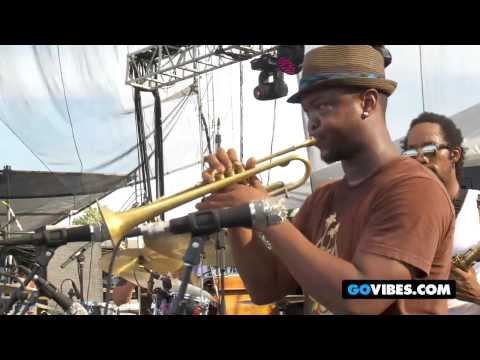 "Tedeschi Trucks Band Performs ""Sing A Simple Song"" into ""Take You Higher"" at Vibes 2011"