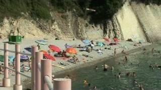 Пляж на Чёрном море в поселке Агой(Вид на пляж в поселке Агой. Фото и база данных по недвижимости,адреса мест отдыха от хозяев от Анапы до Абхаз..., 2010-08-07T12:16:40.000Z)