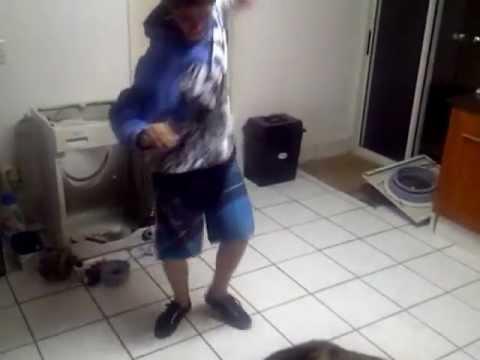 Mandoza Nkalakatha makes anyone think they can dance.