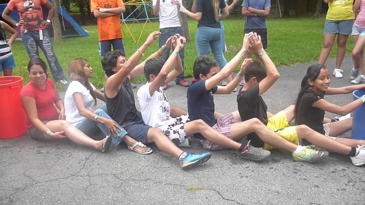 Pasar vaso con agua campamento juvenil vuelve 2012 youtube - Vaso con agua ...