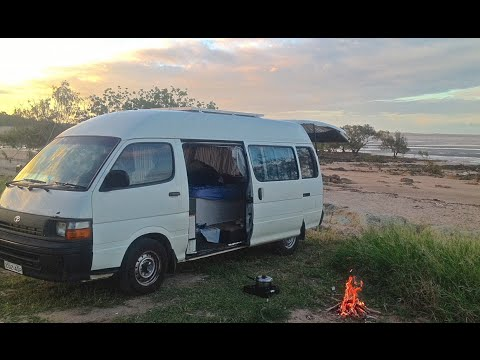Timelapse of a Hiace Camper Conversion - Roady!