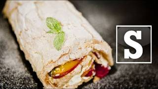 Meringue Roulade Recipe - Sorted