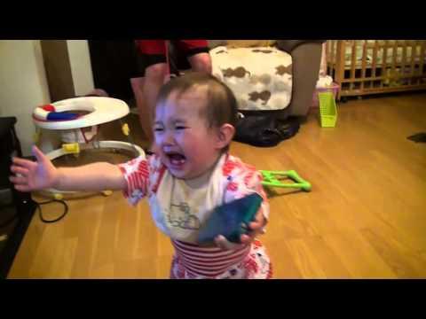 Ребёнок плачет!