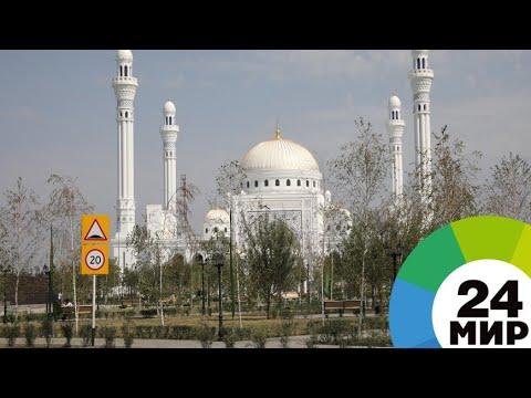 На открытие мечети
