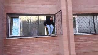 Профессор ВГУ прыгает из окна после зачета в Воронеже