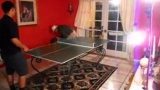 Angie Varona juego de ping pong