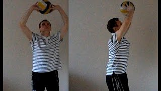 Волейбол. Обучающие видео - верхняя передача.(Видео из цикла : Волейбол.Обучающее видео. Смотрите также : Нападающий удар. Часть 1 ; Нападающий удар. Удар..., 2015-04-25T12:54:53.000Z)