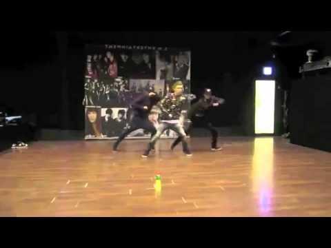 Kai / Eunhyuk - practice mirror dance (MAXSTEP)