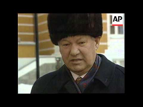 RUSSIA: MOSCOW: PRESIDENT BORIS YELTSIN RETURNS TO KREMLIN