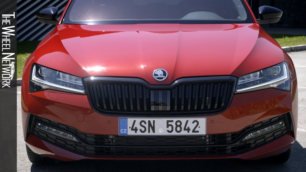 2020 Skoda Superb Sportline Driving Exterior Youtube