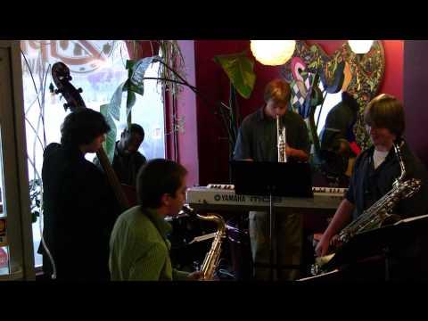Patchwork Jazz Improv-Bb Blues part 1 Live at Zippy's Java Lounge