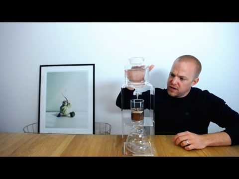 Slow-TV: Kallbrygger kaffe i Hario Water Dripper